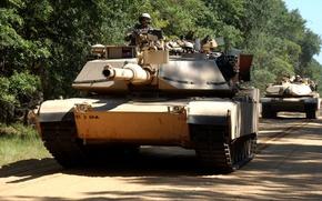 Картинка дорога, армия, США, танки, войска, Колонна танков, Абрамсы