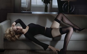 Картинка диван, чулки, блондинка, Romola Garai