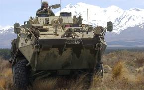 Обои машина, горы, солдат, бронетехника
