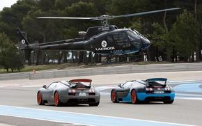Обои дорога, машины, гонка, трасса, вертолет, Bugatti Veyron