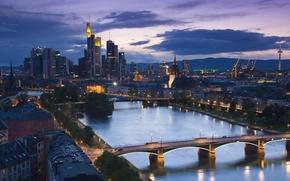 Картинка город, река, дома, вечер, мосты, улицы, высотки, деревья ., frankfurt