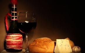 Обои бутылка, бокал, вино, красное, сыр, хлеб, чеснок, лук
