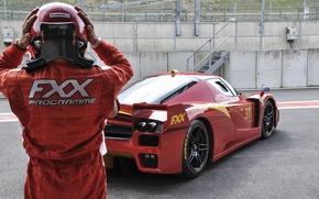 Картинка красный, трасса, шлем, Ferrari, red, феррари, гонщик, fxx, track, helmet, racer