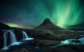 Картинка вулкан, гора, Kirkjufell, снег, водопад, метеор, северное сияние, комета, ночь, Исландия, скалы, звезды