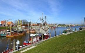 Картинка город, фото, корабли, лодки, Германия, Крумхёрн