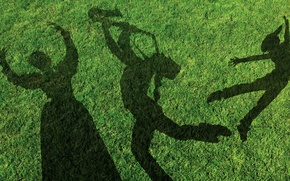 Картинка трава, танец, тени, люди, газон, музыкант