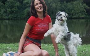 Картинка Girl, Dog, Green, Water, Friendly, Good Friends