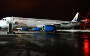 Картинка ночь, огни, аэропорт, самолёт, kolavia, Когалымавиа, metrojet