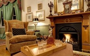 Картинка огонь, часы, бутылка, кресло, камин, виски, гостиная