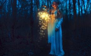 Картинка лес, девушка, ночь, настроение, фонарь
