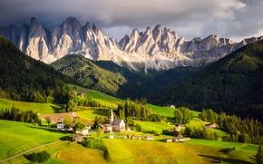 Картинка Альпы, тучи, свет, Италия, церковь, горы, дома, часовня, небо, долина, облака