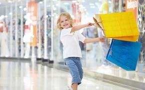 Картинка радость, счастье, желтый, улыбка, голубой, ребенок, смех, девочка, покупки, пакеты, шопинг