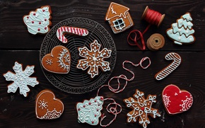 Картинка Новый Год, праздники, выпечка, зима, сердечки, печенье, глазурь, елочка, снежинки, домик, фигурки, новогоднее, Рождество