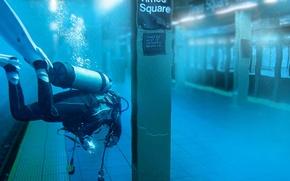 Картинка метро, водолаз, ураган, Sandy, New York, Times Square
