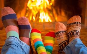 Картинка семья, носки, fire, камин, happy, cute, socks, family