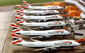 Картинка Самолет, Аэропорт, Boeing, Много, Боинг, 747, Пассажирский, Авиалайнер, British Airways, На земле, В ожидании, Дальнемагистральный