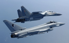 Картинка истребители, пара, Eurofighter Typhoon, многоцелевые, Su-30MKI