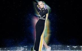 Картинка фотосессия, небо, Rita Ora, макияж, кроссовки, певица, блондинка, одежда, фон, реклама, бренд, 2015, поза, перчатки, ...