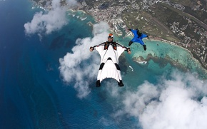 Картинка пляж, облака, лодки, очки, парашют, контейнер, шлем, камеры, риф, пилоты, экстремальный спорт, formation, пристань для …