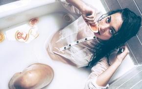 Обои цитрусы, Ivan Mateos, ванна, девушка, мокрая
