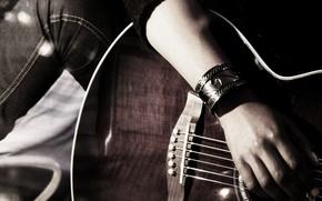 Картинка рука, джинсы, струны, Гитара, браслет