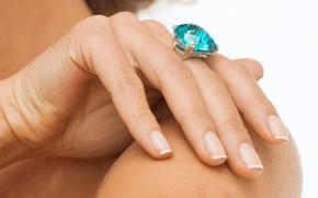 Картинка голубой, камень, рука, кольцо, украшение, топаз