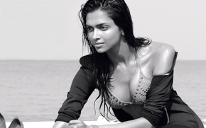 Картинка лицо, улыбка, актриса, girl, sexy, wet, cleavage, boobs, beautiful, model, pretty, beauty, brunette, breasts, pose, ...