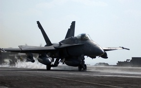 Картинка штурмовик, американский, F/A-18, истребитель-бомбардировщик, Hornet, палубный, Хорнет, Макдоннел-Дуглас, McDonnell Douglas, Шершень, на палубе, перед взлетом.