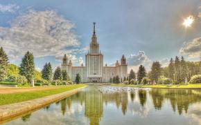 Картинка лето, небо, трава, вода, облака, деревья, пруд, люди, москва, университет