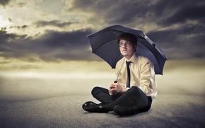Картинка песок, зонт, очки, галстук, мужчина, рубашка