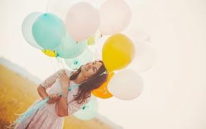 Картинка поле, девушка, шарики, радость, платье