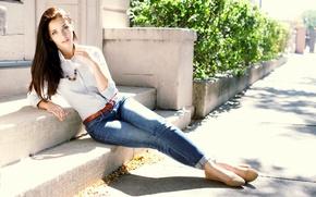 Картинка девушка, улица, Emily Rudd