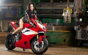Картинка красный, поза, завод, мотоцикл, red, байк, суперспорт, motorcycle, станок, plant, pose, sportbike, MV Agusta F4