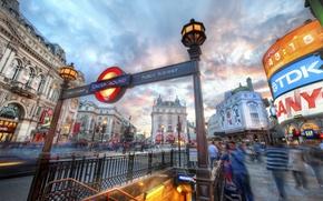 Обои машины, город, люди, улица, дома, лондон, знаки, london, улицы, подземка, витрины