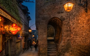 Картинка lights, portal, night, France, evening, street, people, houses, signs, street lights, lamps, stairs, arch, Mont …