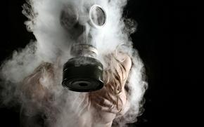 Картинка девушка, дым, ситуация, противогаз