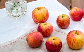 Картинка стол, яблоки, желтые, красные, ваза, фрукты, скатерть