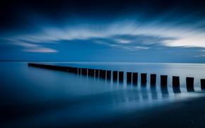 Картинка небо, облака, синева, берег, спокойствие, Море, опоры, штиль, перед рассветом