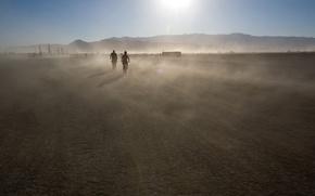Обои солнце, пыль, горы, движение