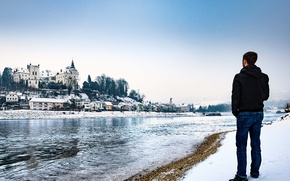Картинка winter, snow, man, castle, Austria, looking, Upper Austria, Ottensheim, Urfahr-Umgebung, River Danube