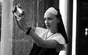 Картинка глаз, губы, красивая, монашка, original, селфи, монахиня, гордыня, фотоопарат, superbia, lenore Thumallus