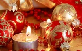 Картинка праздник, игрушки, новый год, свечи, бусы, декорации, happy new year, блёстки, christmas decoration, новогодние обои, …
