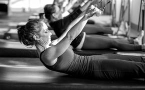 Картинка black and white, workout, class, pilates