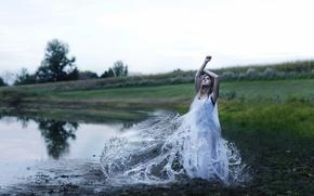 Картинка вода, девушка, брызги