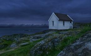 Картинка небо, ночь, тучи, озеро, Норвегия, домик, синее