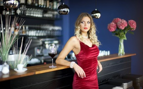 Картинка модель, бокал, бар, платье, красотка, Delfina