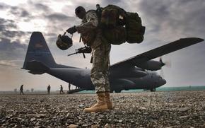 Картинка самолет, оружие, солдат, Lockheed, Hercules, C-130H2