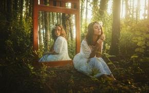 Картинка лес, взгляд, девушка, отражение, зеркало