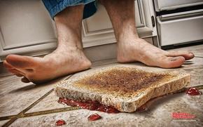 Обои ноги, пол, бутерброд, джем, закон подлости