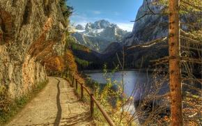 Картинка горы, деревья, осень, забор, холмы, поручни, река, обрыв